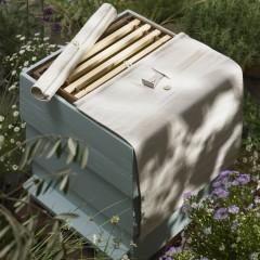 beehive-in-garden-studio-set-