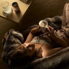 lady-drinking-hot-chocolate