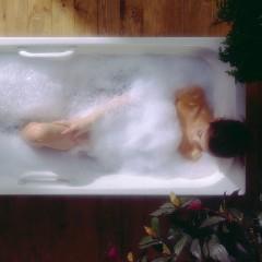 overhead-lady-in-bath