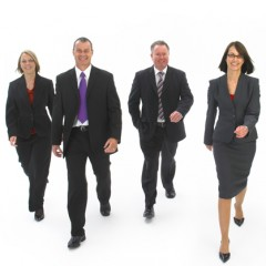 striding-business-people