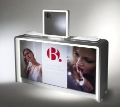 shop-display-counter